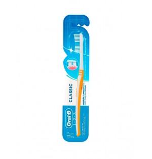 Cepillo de dientes Oral-B Classic - Medio